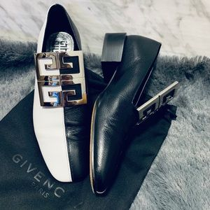 Givenchy Black/ White Leather 4G Loafer 35.5